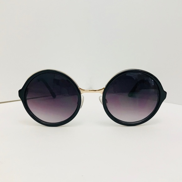 96635ede18d9 ❤️BOGO❤️New Urban Outfitters Both World Round
